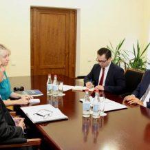 Արման Թաթոյանը հանդիպել է Հայաստանում ԵՄ պատվիրակության ղեկավարի հետ
