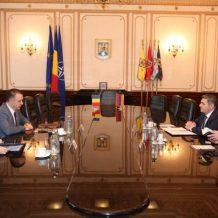 Դեսպան Սերգեյ Մինասյանը հանդիպել է Ռումինիայի ազգային պաշտպանության նախարարի հետ