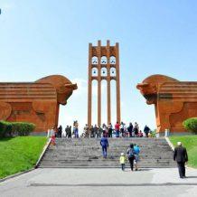Հայաստանն ու աշխարհասփյուռ հայությունը տոնում են Առաջին Հանրապետության 100-ամյակը