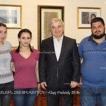 «Հանուն հայ զինվորի» ՀԿ-ի անդամները հանդիպել են ԱԺ նախագահ Աշոտ Ղուլյանի հետ